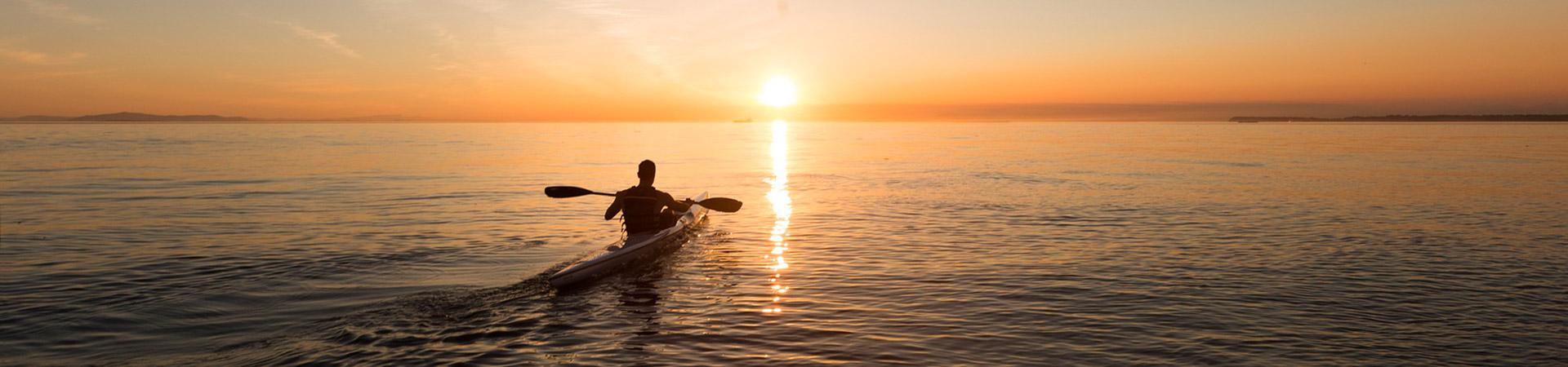 kayak-couche-soleil-camping-merendella
